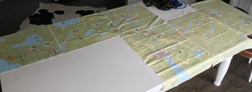 Kartan som fyllde matsalsbordet och lite till. Foto: Filip Andersson.